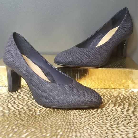 285fb896c77 NUTURE by Dillards Navy Blue Low Work Heels 7